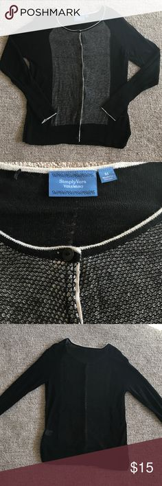 Simply Vera Cardigan Like new Simply Vera by Vera Wang cardigan. The cardigan is very lightweight. It has cute black and white stitching down the front. The band at the bottom has attractive slits on each side. Simply Vera Vera Wang Sweaters Cardigans