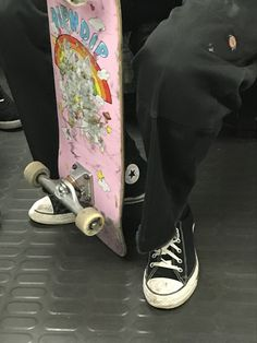 saw that boy in the train, loved his style i needed to take a pic! so here is juste his feets with its beautiful ripndip skate i'm in love god🥺🥺 (and he was asian😳🥰) Aesthetic Grunge, Aesthetic Photo, Aesthetic Pictures, Estilo Indie, Estilo Grunge, Girl Bad, Photographie Indie, Retro, Teenage Dirtbag