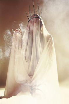 Full Series:http://bit.ly/1t6miffPhotographer:Cristian Fasoli EdenlieStylist/Model:Cristina Biella