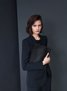 All black outfits for office by Style Advisor : classic look and charcoal black: Filippa K / Ava Cool Wool Jacket (chocolate parfait simple) Minimal Classic, Minimal Chic, Minimal Fashion, Classic Looks, Minimal Outfit, Business Outfit, Business Fashion, Business Chic, Fashion Mode