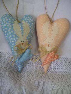 Explore Dri Farias photos on Flickr. Dri Farias has uploaded 119 photos to Flickr. Easter Gift, Easter Crafts, Easter Bunny, Christmas Crafts, Happy Easter, Regalo Baby Shower, Shabby Chic Quilts, Easter 2018, Christmas Embroidery Patterns