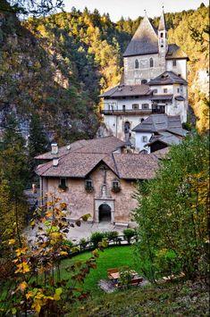 Santuario di San Romedio    Sanzeno    Trentino-Alto Adigio