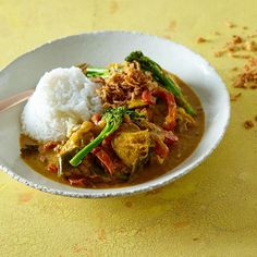 Southern Thai Chicken Panang Curry  Foodie love Southern Thai Chicken Panang Cur...  PANANG CURRY Southern Thai Chicken Panang Curry  Foodie love Southern Thai Chicken Panang Curry Tzatziki, Tahini, Chipotle, Healthy Chicken Recipes, Healthy Dinner Recipes, Bruschetta, Granola, Chefs, Guacamole