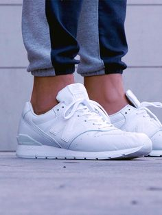 all white new balance walking shoes