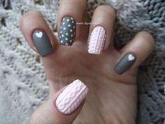 Cable Knit Nails o uñas tejidas es la nueva tendencia de este invierno.