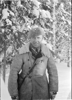 Commander of the company of the Finnish Infantry Regiment, Captain A. Yuutulinainen, date and location unknown - pin by Paolo Marzioli