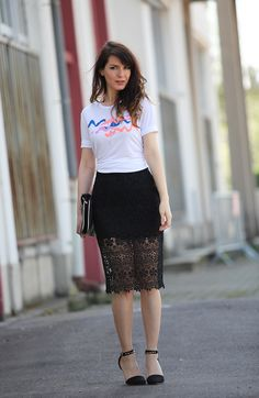 Fashion outfit, Pimkie, La Redoute, collection capsule Heretic, lace skirt, casual tee-shirt. Spring outfit. Fashion blogger.