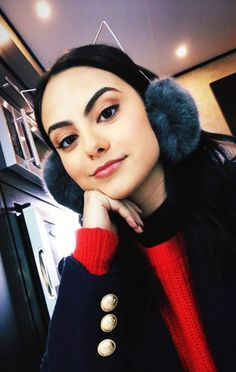 Josie and The Pussycats Riverdale Tumblr, Camila Mendes Riverdale, Camila Mendes Veronica Lodge, Riverdale Veronica, Camilla Mendes, Queen V, Candice Patton, Riverdale Cast, Baby Dragon