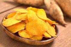 Aprenda a fazer chips de mandioquinha, da nutri Gabriela Kapim | | Marmiteira