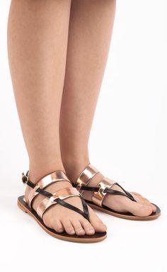 #fashion #fashionable #instafashion #fashiondiaries #fashionstyle #fashionstudy #fashionblogger #outfit #shoes #highheels #heels #stilettos #boots #footwear #sandals #brogues #laces #instashoes #shoesoftheday #platforms #shoe #tagsta
