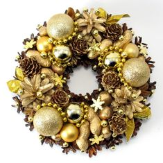 Christmas Decorations – Christmas Wreath, Natural Wreath, Pinecone wreath – a unique product by Zielonepalce on DaWanda Christmas Wreaths, Christmas Decorations, Xmas, Holiday Decor, Christmas Is Coming, Ornament Wreath, Pine Cones, Flower Arrangements, Unique