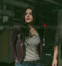 Isabelle's purple moto jacket and ripped skinny jeans on Shadowhunters Shadowhunters Outfit, Moto Jacket, Leather Jacket, Hunter Outfit, Isabelle Lightwood, Fashion Tv, Fashion Clothes, Fandom Outfits, Hat Hairstyles