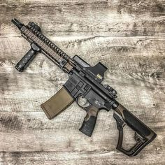 Rate it from 1 to Recognize the weapon - write in comments! Tactical Rifles, Firearms, Shotguns, Weapons Guns, Guns And Ammo, Ar Pistol, Battle Rifle, Shooting Guns, Military Guns