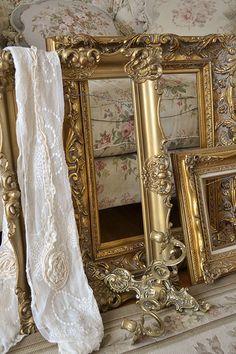 esprit shabby - Page 4 Antique Picture Frames, Antique Frames, Vintage Frames, Decoration Baroque, Molduras Vintage, Empty Frames, Art Nouveau, Grey And White, Black