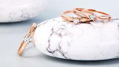 Krásne a nápadité prstene s diamantmi zaujmú každú ženu, ktorá túži po luxusnom a elegantnom šperku. Pripravili sme pre vás ponuku prsteňov s