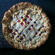 The Judy Lab Vodka Pie Crust directions for freezing leaves Pie Dough Recipe, Pie Crust Recipes, Tart Recipes, Sweet Recipes, Snack Recipes, Dessert Recipes, Dessert Ideas, Vodka Pie Crust, Pie Crusts