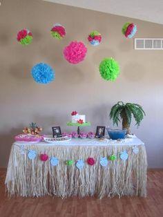 Hawaii/Tropical party table idea, love the grass skirt! Hawaiian Luau Party, Hawaiian Birthday, Luau Birthday, Tropical Party, Birthday Parties, Birthday Ideas, Hawaiian Decor, Birthday Celebration, Baby Shower