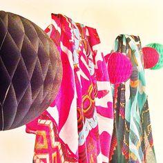 Faites le plein d'idées #cadeaux #noël sur l'e-shop @diwali_paris ! #foulard #bijoux #inspiration #travel #ethnique #mexico #yucatan