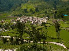 Canta, la primera provincia ecológica y turística del Perú.  La provincia de Canta, que se encuentra a 2 horas de viaje al norte de la ciudad de Lima, a 2,837 m.s.n.m, es un lugar con una variedad de paisajes andinos llenos de misterio y encanto, restos arqueológicos de un pasado milenario aún por descubrir.