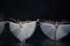 Saw the Bolshoi ballet execute this particular scene (Kingdom of Shades, La Bayadere) - with exquisite precision