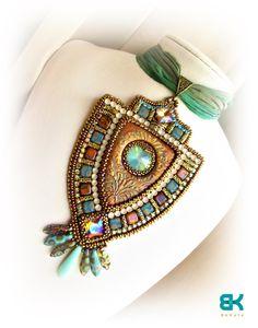 by Katalin Budainé Nagy Bead Embroidery Jewelry, Beaded Embroidery, Jewelry Art, Beaded Jewelry, Jewelry Ideas, Fabric Beads, Wire Wrapped Earrings, Beading Tutorials, Bead Weaving