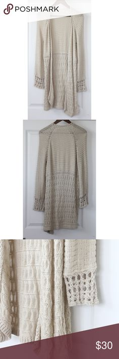 "Lucky Brand Knit Cardigan Size L Women's Ivory Lucky Brand Knit Cardigan Size L Women's Ivory Sweater Open Front In very good condition! Gently worn- has some snags. Pics show accuracy of condition! No stains or tears noted. From a pet & smoke free home  Measurements (approx):  length 40"" pit-to-pit 17.5"" waist 37"" Lucky Brand Sweaters Cardigans"