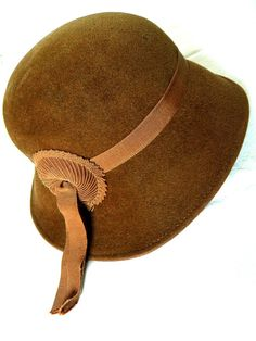 Vintage Brown Cloche Flapper Hat Flapper Hat 28059009dffd