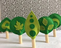 Sewing Crafts Toys Felt trees - Play Trees - Toy Trees - Waldorf Inspired Toys - Ready to ship - Easy Felt Crafts, Felt Diy, Crafts For Kids, Sewing Toys, Sewing Crafts, Felt Play Mat, Play Mats, Waldorf Crafts, Diy Waldorf Toys