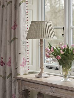 Gentle greens, pinks and purples are a match made in heaven Cottage Living Rooms, Formal Living Rooms, Home Living Room, Living Room Designs, Cottage Lounge, Living Room Decor Curtains, Lounge Curtains, Susie Watson, Trendy Home