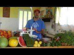 Ο Σπάρτακος, φτιάχνει το καλύτερο αναψυκτικό του καλοκαιριού! - YouTube Watermelon, Fruit, Youtube, Food, Essen, Meals, Youtubers, Yemek, Youtube Movies