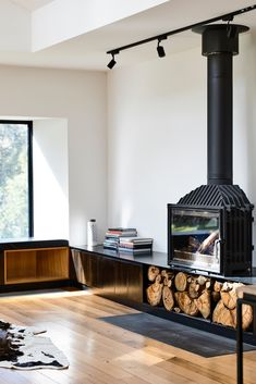 Image 23 of 51 from gallery of Ballarat East House / Porter Architects. Photograph by Derek Swalwell Fireplace Hearth, Fireplace Design, Sexy Fotografie, Freestanding Fireplace, Interior And Exterior, Interior Design, Home Improvement Projects, Living Spaces, New Homes
