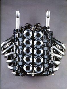 Honda - Just the best fot your moodboard! V10 Engine, Motor Engine, Mechanical Art, Performance Engines, Race Engines, Formula 1 Car, Combustion Engine, Courses, Car Parts