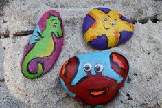 Πώς να βάψετε με το παιδί σας τα βότσαλα που μαζέψατε από την παραλία!