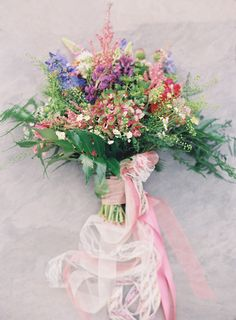 Colorful wedding bouquet: Photography: Joey Kennedy - http://www.joeykennedyphotography.com/