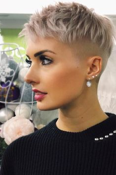 36 Latest Short Hair Trends for Winter 2017 - 2018 - Claire C. - - 36 Latest Short Hair Trends for Winter 2017 - 2018 - Pixie Hairstyles, Short Pixie Haircuts, Undercut Hairstyles, Cool Hairstyles, Short Shaved Hairstyles, Layered Hairstyles, Hairstyle Short, Trending Hairstyles, Latest Hairstyles