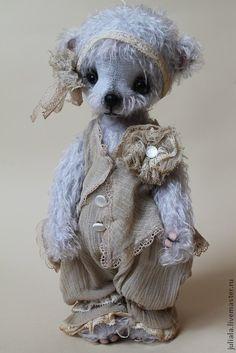 So precious! What a sweet teddy bear, Teddy Toys, Cute Stuffed Animals, Cute Teddy Bears, Bear Doll, Bear Art, Felt Animals, Art Dolls, Friends, July 15