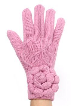 Make a statement! Oversize Flower Winter Gloves for women @ www.sunben.com - wholesale fashion accessories