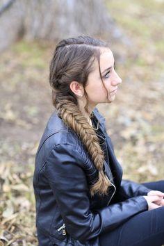Katniss Braid from Mockingjay.  #hairstyles #CuteGirlsHairstyles #CuteGirlHair #Braid #Braids #Mockingjay