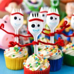 Forky Cupcakes Toy Story 4 Recipe - Cupcake Diaries Forky Cupcakes are the perfect dessert for a Toy Story 4 birthday party! They're so easy and a great way to bring that funny little spork to the party. Fête Toy Story, Toy Story Theme, Toy Story Party, Toy Story Crafts, 2 Birthday, 4th Birthday Parties, Birthday Cupcakes, Toy Story Birthday Cake, Birthday Ideas