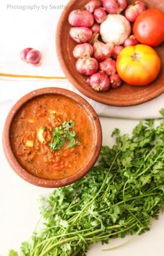 Thakkali kulambu is a south Indian gravy that can be prepared easily in minutes. This gravy can be paired with cooked rice, idli, dosa or chapathi. My personal favourite choice is to eat with idlie… Soup Recipes, Vegan Recipes, Cooking Recipes, Indian Gravy Recipe, Indian Food Recipes, Ethnic Recipes, Kerala Recipes, Rasam Recipe, Tomato Gravy