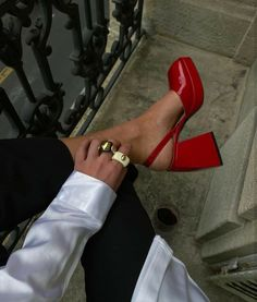Fashion Killa, Look Fashion, Fashion Shoes, Fashion Outfits, Womens Fashion, Dr Shoes, Me Too Shoes, Crazy Shoes, Pretty Shoes
