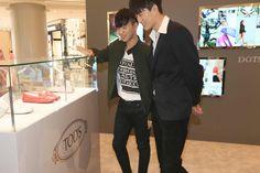 Han Huohuo and Jin Dachuan enjoying the Dots of Life event in Chengdu. #todsgommino #dotsoflife