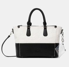 Sac à main Black&White Desigual - 😍Découvrir ici - #SacDesigual #Sacamain #Desigual #bags #fashion #mode #ventespascher #instafashion #Sacs Fashion Mode, Black And White, Bags, Cheap Designer Purses, Pendant, Purse, Black People, Accessories, Handbags