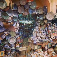 Shopping in Fez. Photo courtesy of kerrygalvin65 on Instagram.