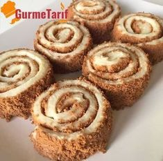 Bisküvili Muhallebi Rulosu Tarifi – Gurme Tarif Biscuit custard roll recipe – The recipe is referred to as biscuit custard wrap. A very light and delicious milk dessert recipe Gourmet Recipes, Soup Recipes, Cake Recipes, Dessert Recipes, Vegetarian Recipes, Köstliche Desserts, Delicious Desserts, Chicken Peas Recipe, Turkish Sweets