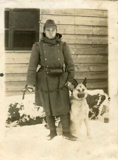 ORIGINAL WWII JAPANESE PHOTO: ARMY SOLDIER WITH WAR DOG!!