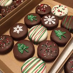 Christmas Cookies Gift, Christmas Deserts, Christmas Cupcakes, Christmas Goodies, Christmas Candy, Holiday Cookie Recipes, Holiday Cakes, Holiday Desserts, Holiday Baking