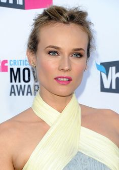 Diane Kruger Pink Lipstick - Diane Kruger wore a pretty pop of pink lipstick at the 17th Annual Critics' Choice Movie Awards.