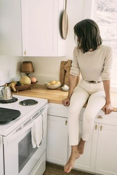 Minimalist Fashion - Minimalist Fashion – Dirty Hippie Style You are in the right place about women's fashion Here w - Mode Outfits, Edgy Outfits, Fashion Outfits, Womens Fashion, Fashion Tips, Fashion Trends, Fashion Ideas, Fashion Bloggers, Night Outfits