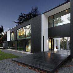 Maison Schwartz by Saucier + Perrotte architectes